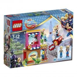 LEGO® DC Super Hero Girls™ 41231 Harley Quinn™ spěchá na pomoc